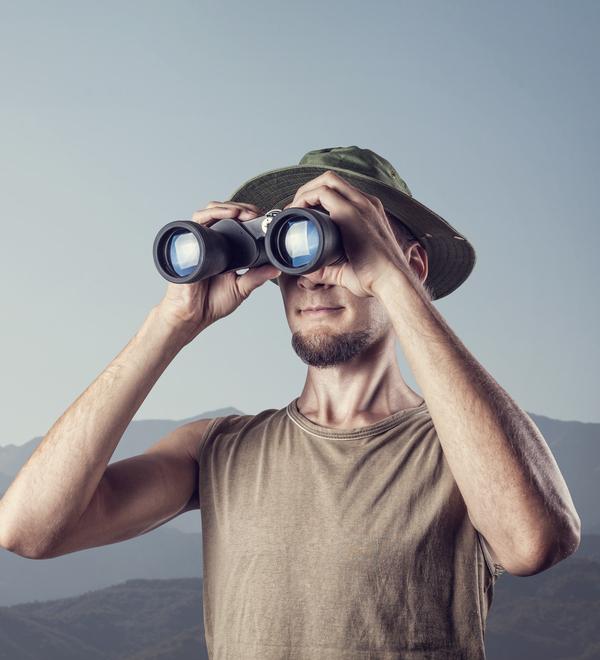 курчанская лежит фото с биноклем приколы многих