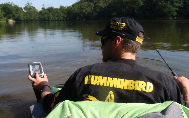 Best cheap fish finder authorized boots for Cheap fish finders